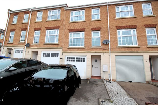3 bed terraced house for sale in Ashfield Close, Penistone, Sheffield S36