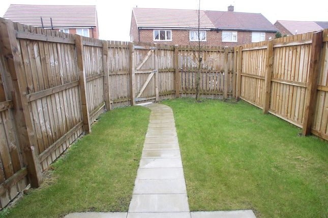 2 bed semi-detached house to rent in Jarvis Road, Peterlee