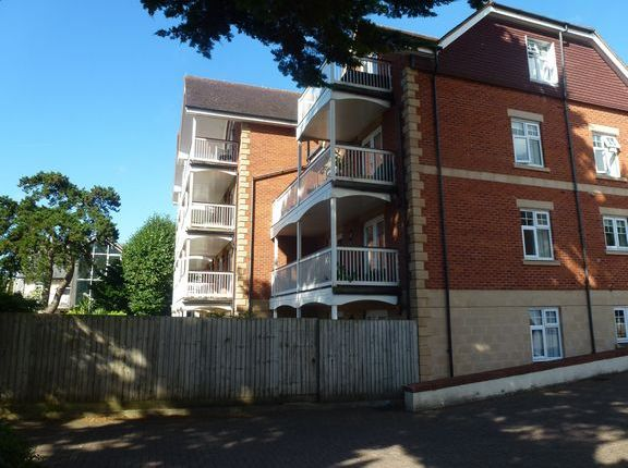 Thumbnail Flat to rent in Abbeydale, Manor Road, Sidmouth