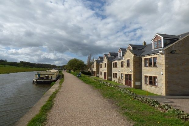 Thumbnail Flat to rent in Canal House, Calverley