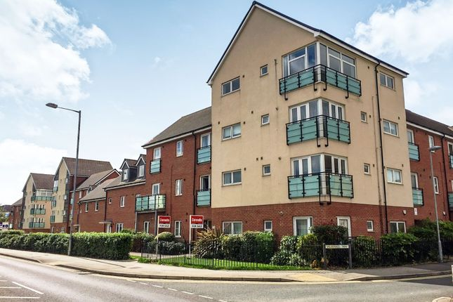 Thumbnail Penthouse for sale in Vauxhall Way, Dunstable