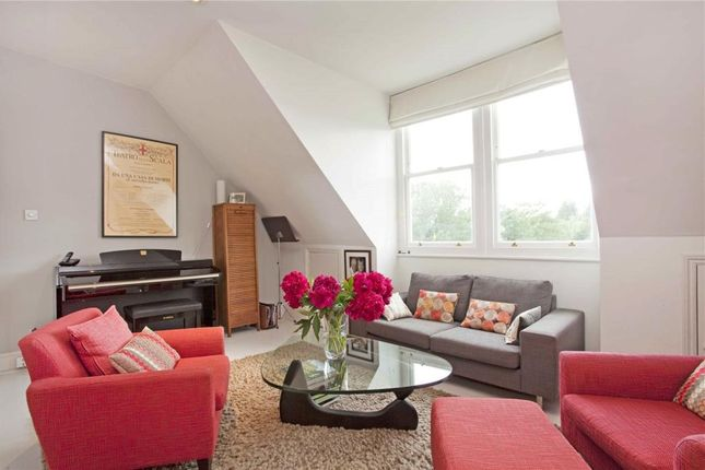 3 bed flat to rent in Dartmouth Road, Mapesbury
