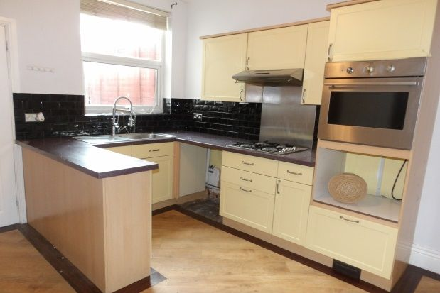 Thumbnail Property to rent in Albert Street North, Chesterfield