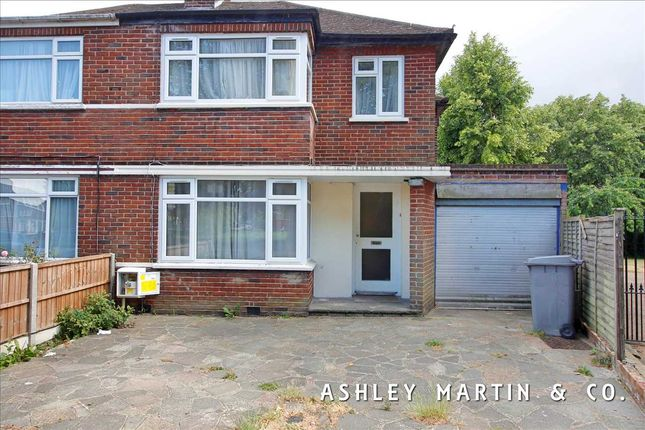 Main Picture of Beverly Drive, Queensbury, Edgware HA8