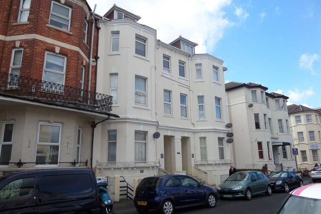 Thumbnail Flat to rent in Admirals Walk, West Cliff Road, Westbourne, Bournemouth