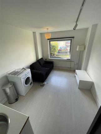 Studio to rent in Ingram Street, Holbeck, Leeds LS11