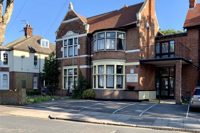 Picture No. 20 of Ailsa Road, Westcliff-On-Sea, Essex SS0