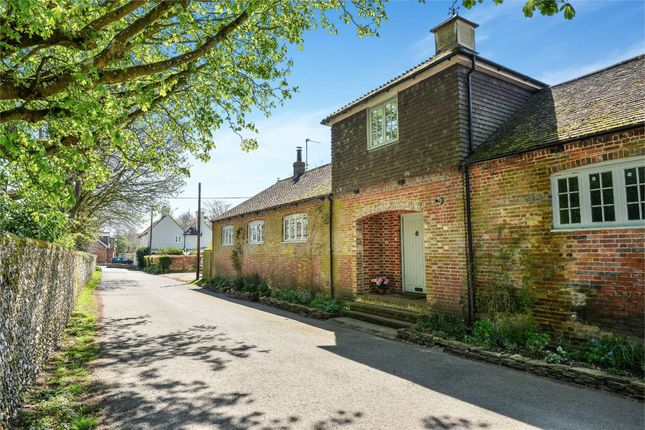 3 bed link-detached house to rent in Beacon Hill Lane, Exton, Southampton SO32
