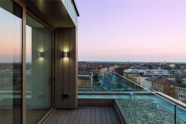 Thumbnail Flat for sale in Bedford House, 215 Balham High Road, Balham, London
