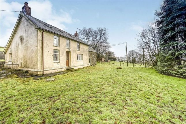 Thumbnail Farm for sale in Cwrtnewydd, Llanybydder