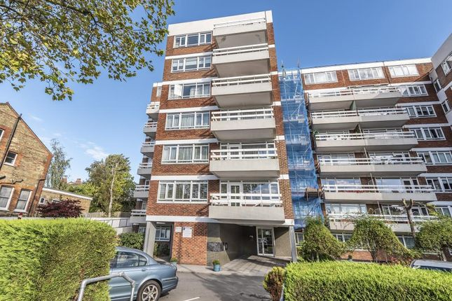 2 bed flat for sale in Finchley, London N3