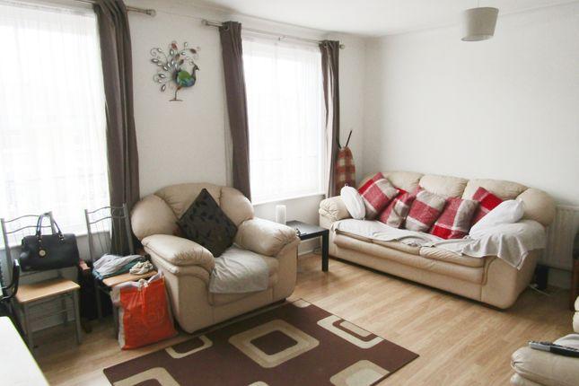 Living Room of Graham Road, Hackney E8