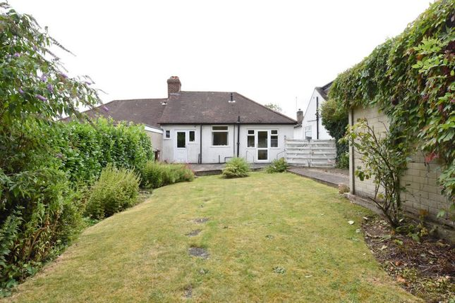 2 Bed Bungalow For Sale In Park Avenue Potters Bar