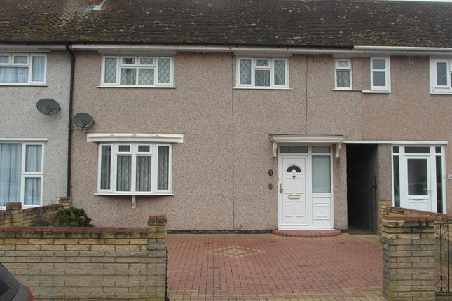 Thumbnail Property to rent in Renown Close, Collier Row, Romford