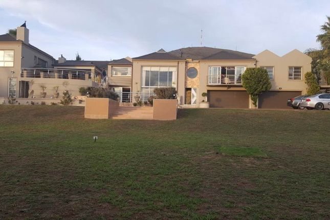 5 bed detached house for sale in Mopanie, Parow, South Africa