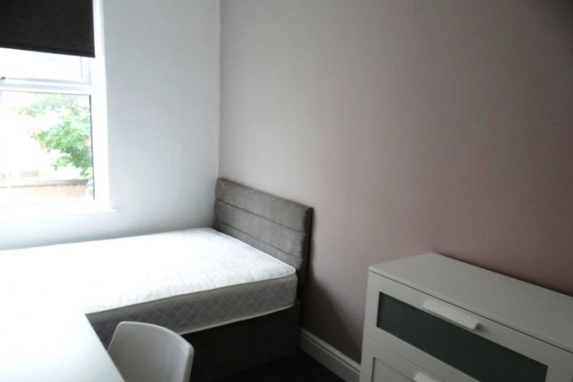 Thumbnail Terraced house to rent in Wellington Square, Nottingham