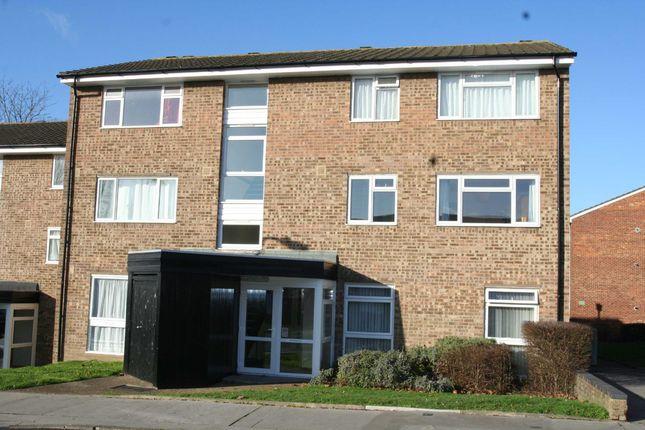 Thumbnail Flat to rent in Dyke Drive, Orpington