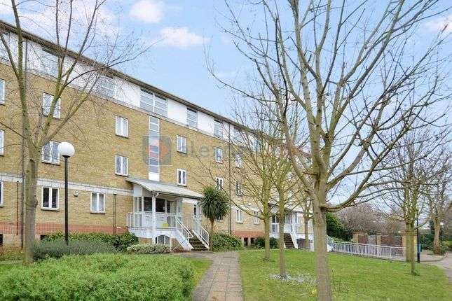 1 bed flat to rent in Worgan Street, London