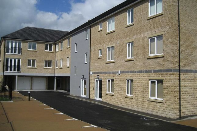 Thumbnail Flat to rent in Garden Court, Ramsbottom, Greater Manchester