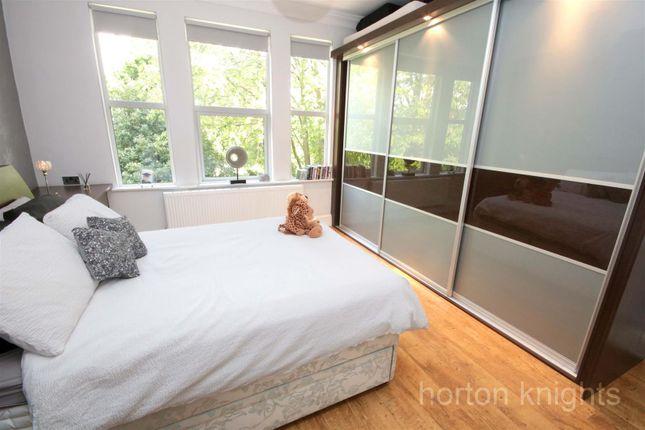 Master Bedroom of Victorian Crescent, Doncaster DN2