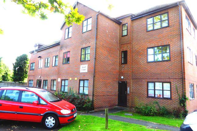 Thumbnail Flat to rent in Crown Rise, Watford