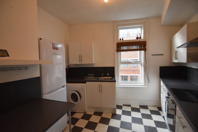 Thumbnail Flat to rent in Grove Road South, Southsea, Hampshire