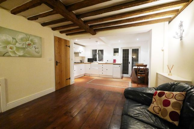 Thumbnail Cottage to rent in The Oaks, Ruislip