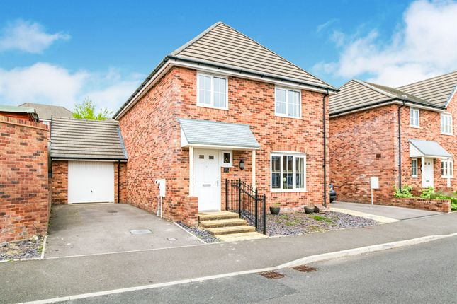 Thumbnail Detached house for sale in Golwg Y Coed, Barry