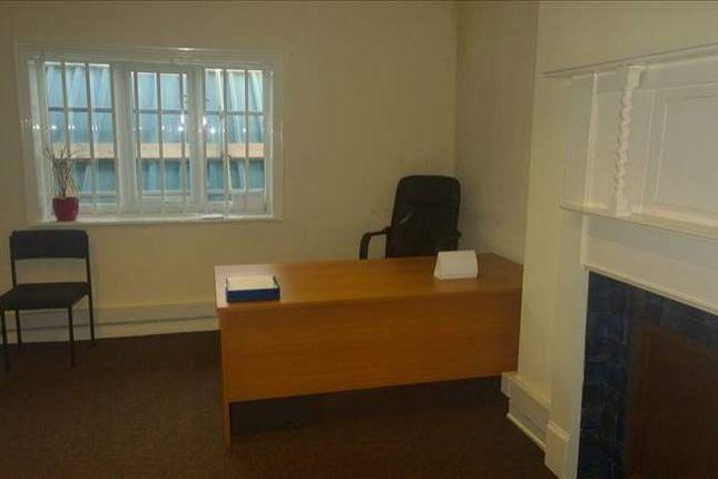 Serviced office to let in Waterside, Macclesfield
