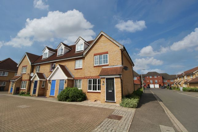 End terrace house for sale in Dorsey Drive, Bedford