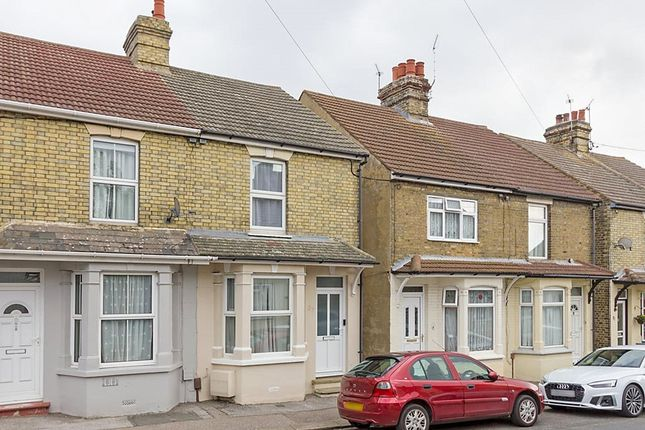 3 bed property to rent in Hythe Road, Sittingbourne, Kent ME10
