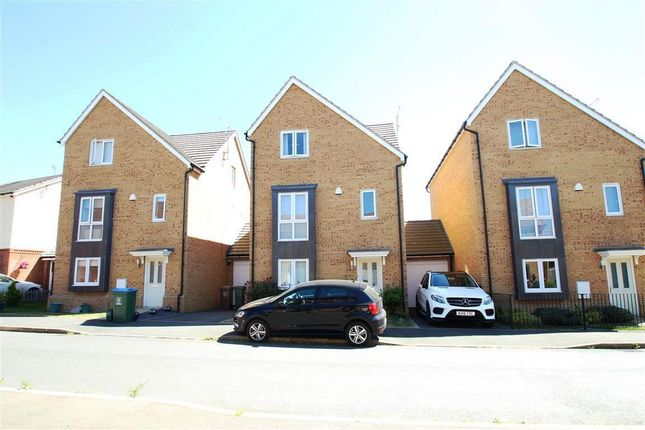 Thumbnail Property to rent in Breedon Drive, Aylesbury