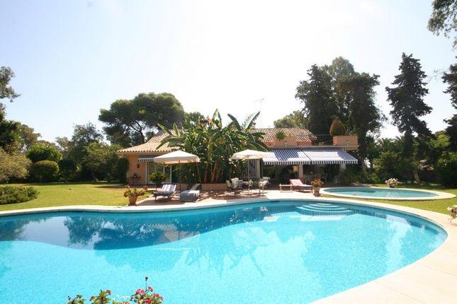 Villa for sale in Cancelada, Costa Del Sol, Spain