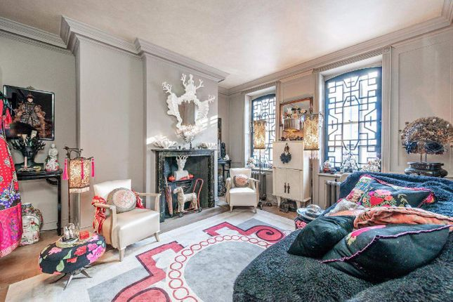 Thumbnail Terraced house for sale in Mile End Road, London