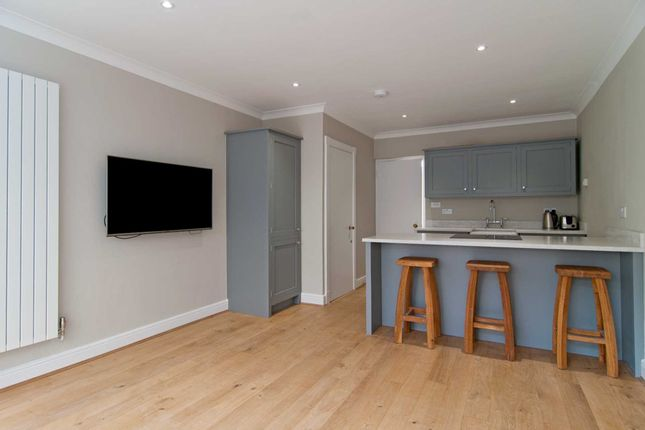 Thumbnail Flat to rent in Walton Street, London