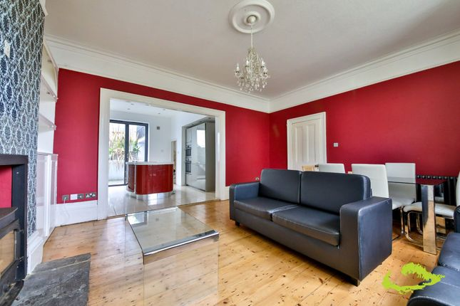 Thumbnail Shared accommodation to rent in Clifton Road, Brighton