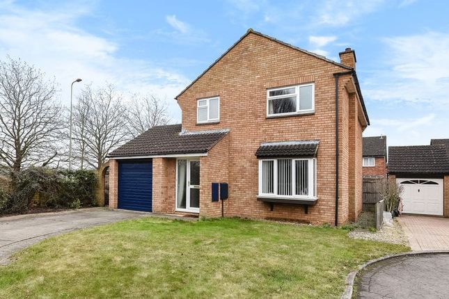 4 bed detached house for sale in Covent Close, Abingdon