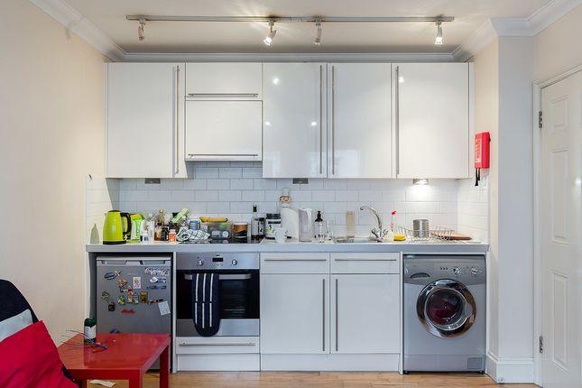 Flat to rent in 7/9 Queens Gardens, London