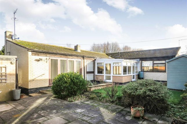 Thumbnail Detached bungalow to rent in Victoria Crescent, Wyton, Huntingdon