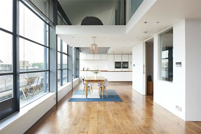 Thumbnail Flat for sale in Chiswick Green Studios, Evershed Walk, London