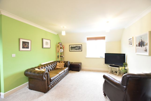 Thumbnail Flat for sale in Farmstead Close, Sutton Coldfield