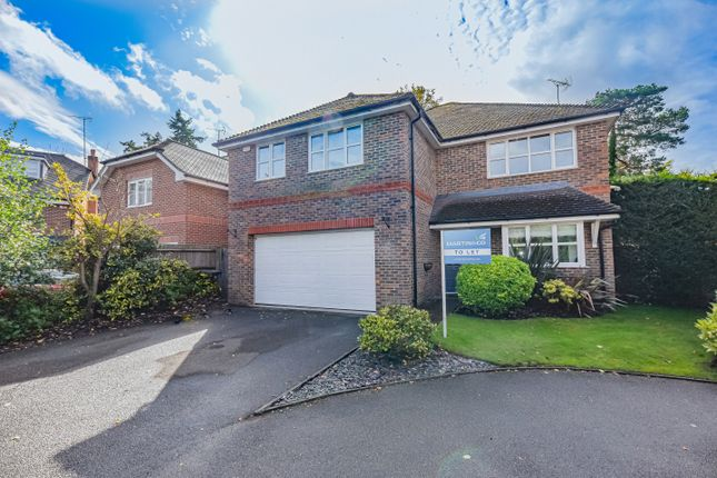 Thumbnail Detached house to rent in Dundaff Close, Camberley