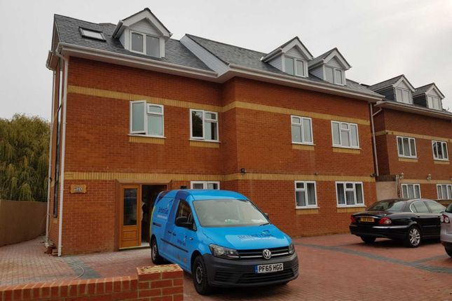Thumbnail Flat to rent in Lampton Road, Hounslow