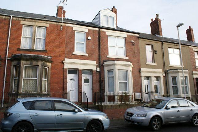Thumbnail Shared accommodation to rent in Avenue Road, Gateshead NE8, Gateshead,