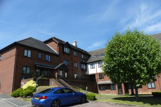 2 bed flat for sale in Totteridge Avenue, High Wycombe
