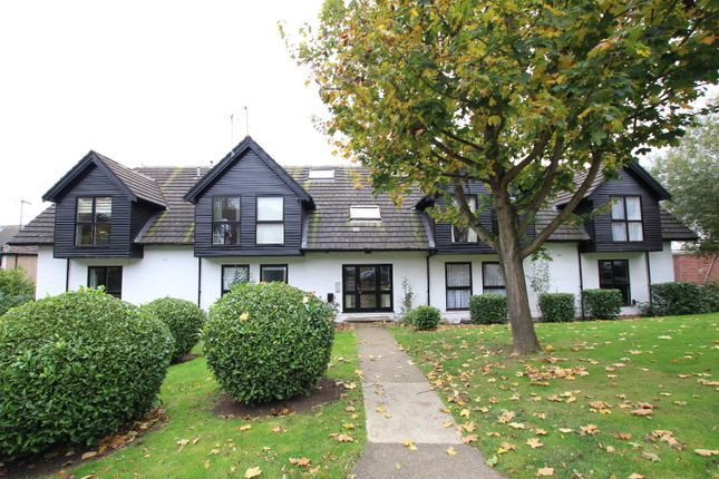 Thumbnail Flat for sale in Postern Green, Enfield