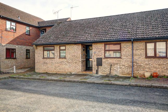 2 bed semi-detached bungalow for sale in Broom Close, Littleport, Ely CB6
