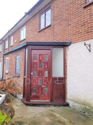 3 bed property to rent in Uplands Road, Chadwell Heath, Romford RM6