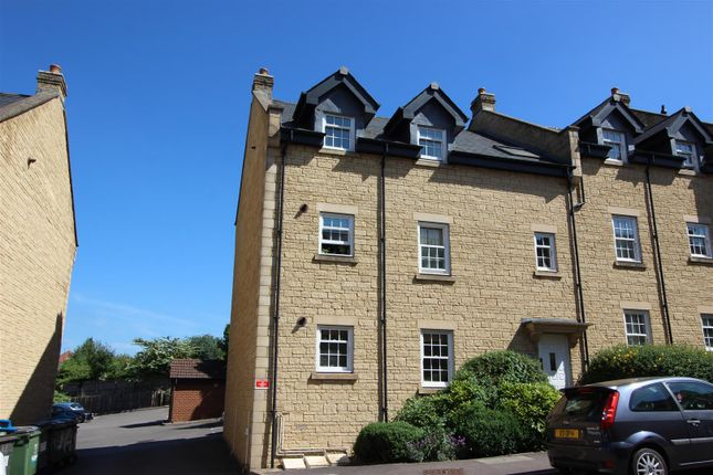 Thumbnail Flat for sale in Louise Rayner Place, Chippenham