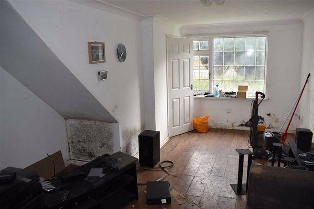 Living Room of Dale Close, Swansea SA5